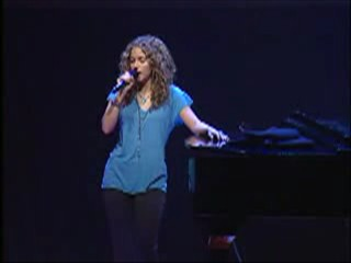 Shakira y  su Pared